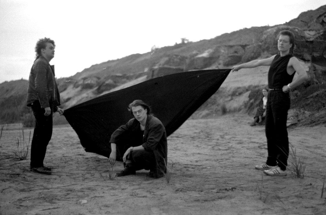 Real Deal - Fotosession im Tagebau: Gruppenbild mit Dame (na, wo ist sie?)